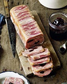 This stunning terrine is a great way to use up leftover Boxing Day ham, as either a starter or light lunch. Serve with a bread and a simple green salad. Pate Recipes, Thyme Recipes, Uk Recipes, Starter Recipes, British Recipes, German Recipes, Snack Recipes, Healthy Recipes, Tapenade