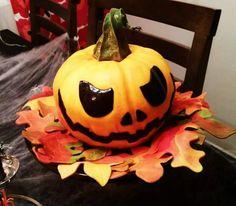 Halloween pumpkin cake (carrot cake)