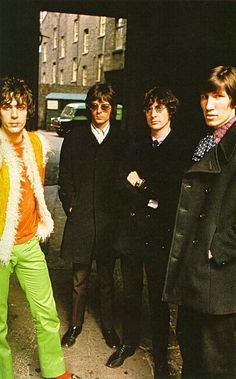 Syd Barrett in all his elegant psychedelic splendor - Pink Floyd, 1967