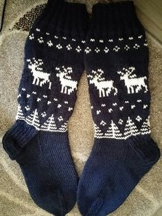 Knitting Socks, Knit Socks, Ravelry, Knit Crochet, Crocheting, Paradise, Craft, Fashion, Stockings
