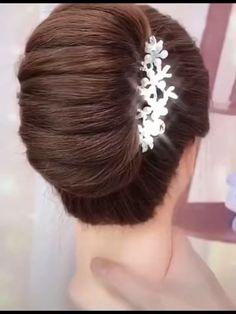 Bun Hairstyles For Long Hair, Elegant Hairstyles, Braided Hairstyles, Hair Up Styles, Medium Hair Styles, Natural Hair Styles, Hair Medium, Hair Style Vedio, Bridal Hair Buns