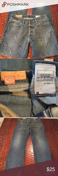 Gap 1969 Slim Straight Fit Size 32/30 Men's Gap 1969 Slim Straight Fit Jean Size 32/30. Jeans are in great condition with the only signs of wear being a couple slight stains on inner tag and slight fraying on hems. Both visible in pics. Comes from a Smoke Free/Pet Friendly home. Offers always welcome. GAP Jeans Slim Straight