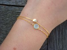 Gold plated chain bracelet with little heart charm. The heart charm is gold plated, gold plate is matte. Simple Bracelets, Cute Bracelets, Bangle Bracelets, Cute Jewelry, Modern Jewelry, Gold Jewelry, Jewellery, Diamond Jewelry, Unique Jewelry