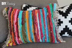 Friday: Rag Rug Pillow rag rug pillow - Use full sized rugs for floor pillows.rag rug pillow - Use full sized rugs for floor pillows. Diy And Crafts Sewing, Crafts To Sell, Sewing Projects, Diy Crafts, Diy Pillows, Floor Pillows, Throw Pillows, Costura Diy, Best Decor