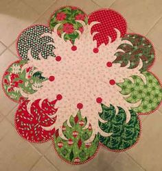 Quilts for Sale. Quilts made by American and Canadian quilters. Place to buy and sell quilts online. Embroidery Patterns, Machine Embroidery, Runners Outfit, Quilts Online, Quilts For Sale, Napkin Folding, Christmas Decorations, Holiday Decor, Quilt Making