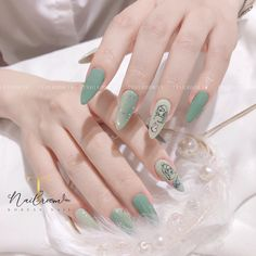 Aesthetic Look, Elegant Nails, Cute Acrylic Nails, Green Nails, Swag Nails, Coffin Nails, Nail Colors, Jelsa, Make Up