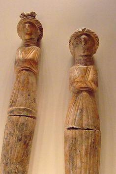Pair of Dolls Roman 275-300 CE Bone (1)