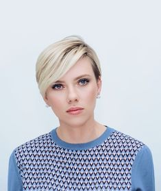 """Scarlett Johansson """"My favorite actors are actors who are enigmatic and mysterious and never make the obvious choice in terms of the projects they do or who they work with or their craft. Scarlett Johansson, Black Widow Scarlett, Black Widow Natasha, Vicky Christina Barcelona, Short Hair Cuts, Short Hair Styles, Pixie Haircut, Celebs, Celebrities"""