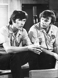 Roy and Johnny sit and have a serious chat