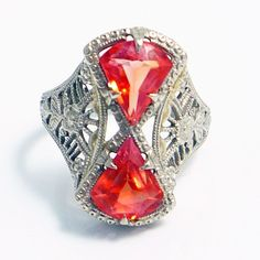 Deco Orange sapphire filigree ring: very rare Art Deco Ring, Art Deco Jewelry, I Love Jewelry, Fine Jewelry, Jewelry Design, Antique Rings, Antique Jewelry, Vintage Jewelry, Antique Art