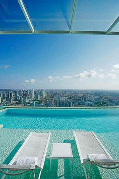 Billionaire Club / karen cox. The Glamorous Life.  Penthouse pool | Billionaire club