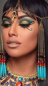 makeup glam eye makeup makeup designs to eye makeup brushes eye makeup pictures makeup for 35 year olds makeup tutorial for green eyes makeup kaise kare Egyptian Eye Makeup, Egypt Makeup, Cleopatra Makeup, Egyptian Beauty, Cleopatra Costume, Maquillage Harley Quinn, Maquillage Halloween Vampire, Maquillaje Halloween, Halloween Makeup