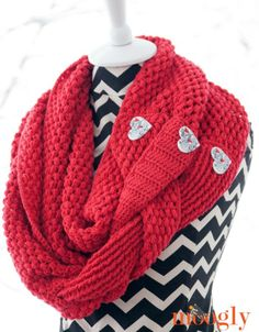 Madly In Love Cowl - Free Valentines Day Crochet Patterns - The Lavender Chair