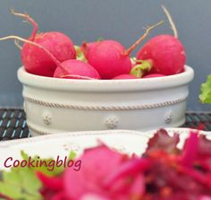 Cooking: Salad in shades of pink