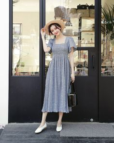 Korean Fashion – How to Dress up Korean Style – Designer Fashion Tips Korea Fashion, Fashion 101, Asian Fashion, Look Fashion, Retro Fashion, Girl Fashion, Vintage Fashion, Womens Fashion, Modest Dresses