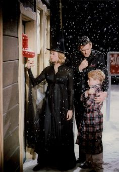 Elizabeth Montgomery, Dick York and Billy Mummy on the Bewitched Christmas Special.