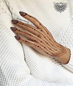 Henna Tattoo Designs Simple, Mehndi Designs Feet, Finger Henna Designs, Beginner Henna Designs, Arabic Henna Designs, Mehndi Designs 2018, Mehndi Design Photos, Unique Mehndi Designs, Mehndi Designs For Fingers