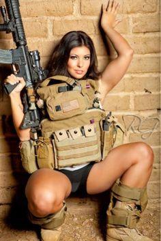 58 Michelle Viscusi Ideas Michelle Girl Guns Women Guns