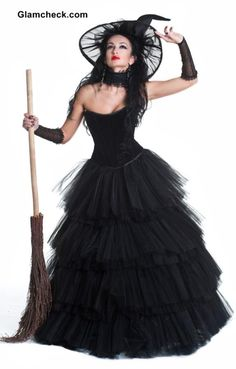 A very popular Halloween costume is that of a witch. Let's take a look at some halloween witch costume ideas for women and kids. Witch Costumes, Halloween Costumes For Girls, Vintage Halloween, Costumes For Women, Vintage Witch, Halloween Birthday, Halloween Party, Halloween Witches, Halloween Halloween