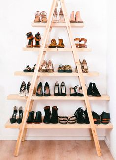 Great idea for a pair of old step ladders