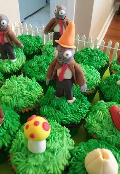 Plants vs Zombies Cupcakes upclose 1
