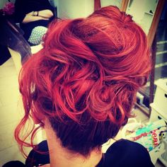 #upstyle #updo #redhair #waveyhair #sarahthehairartist #bohohair #weddinghair