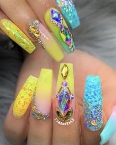 I put my nail polish like a pro! - My Nails Glam Nails, Hot Nails, Bling Nails, Beauty Nails, Summer Acrylic Nails, Best Acrylic Nails, Acrylic Nail Designs, Nail Designs Bling, Pastel Nails