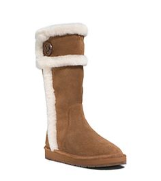 Shop women's designer shoes, sneakers, boots & heels on the official Michael Kors site. Winter Boots On Sale, Best Winter Boots, Boots For Sale, Suede Boots, Ugg Boots, Snow Boots Women, Leather Leggings, Signature Logo, Cable Knit Sweaters