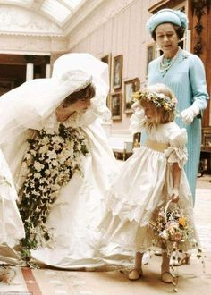 Royal Brides, Royal Weddings, Wedding Humor, Wedding Day, Princess Diana Wedding, Real Princess, Kate And Meghan, Her Majesty The Queen, Lady Diana Spencer
