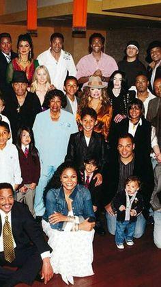 The Jackson's family photo 💖🎼🎵🎤💖 Janet Jackson Son, Jackson Family, Jackson 5, Prince Michael Jackson, Michael Jackson Pics, Michael Jordan, Paris Jackson, The Jacksons, Black Families