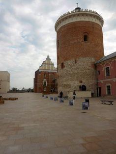 Lublin - zamek. - patrz.pl Amalfi, Pisa, Tower, Building, Travel, Rook, Viajes, Computer Case, Buildings
