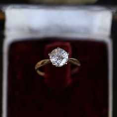 Ancient ring in solid yellow 750 gold 18k gold 18 carats set with a 4ct diamond imitation classic engagement solitaire ring