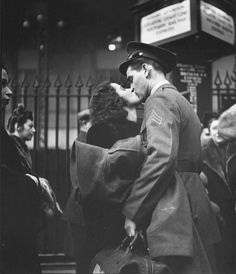 Couple in Penn Station Sharing Farewell Kiss Before He Ships Off to War During WWII Photographic Print by Alfred Eisenstaedt at AllPosters com is part of Old photography Couple in Penn Station Shari - Amor Vintage, Vintage Kiss, Vintage Romance, Vintage Love, Retro Vintage, Robert Doisneau, Couples Vintage, Vintage Ladies, Black And White Couples