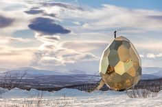 The artistic duo Bigert & Bergström presents the Solar Egg. Both artistic installation and public sauna, the Solar Egg is located in Kiruna, a city in the Outdoor Sauna, Outdoor Gear, Scandinavian Saunas, Building A Sauna, Green Building, Sunken Hot Tub, German Architecture, Amazing Architecture, Solar