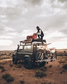 Travel, Cafe Racers and Fashion. Come with me on an adventure. Defender 90, Land Rover Defender, Jeep Racks, Hors Route, Scouts, Expedition Vehicle, Jeep 4x4, Camping Life, Van Life