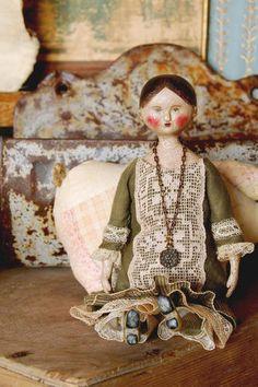 Lora Soling: Dolls and Folk Art :: Miss Elissa Culver
