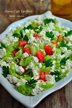 Taze Izmir kasar loru ve iyi … Gypsy salad. The indispensable of the Aegean Breakfast. It is insatiable if made with fresh Izmir curd and good olive oil. Turkish Recipes, Italian Recipes, Vegan Recipes Easy, Cooking Recipes, Turkish Salad, Italian Rice, Rice Salad Recipes, Rice Side Dishes, Summer Salads