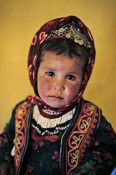 Afghanistan | Child in Band i Amir | ©Steve McCurry