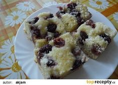 Tvarohová bublanina s ovocem French Toast, Oatmeal, Muffin, Breakfast, Food, Breakfast Cafe, Muffins, Essen, Yemek