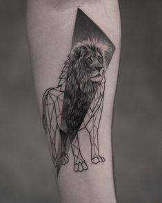 King of the jungle tattoo with geometry by @maxim.nyc