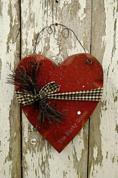 Valentine Decor Primitive Wood Heart Barn Red Rustic Decor Heart is made of 1 Valentine Wreath, Valentine Day Crafts, Holiday Crafts, Valentine Heart, Arte Country, Pintura Country, Heart Decorations, Valentines Day Decorations, Valentines Day Decor Rustic