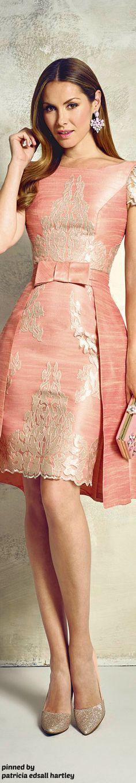 Igor Gulyaev Spring 2016 Can you say Indo-Western Fusion kick? Lovely Dresses, Elegant Dresses, I Dress, Party Dress, Mode Rose, Glamour, Couture Dresses, Runway Fashion, Fashion 2016