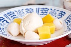 Jasmine tea ice-cream with lychees and mango - this sounds so wonderfully lovely! Mango Recipes, Ice Cream Recipes, Tea Recipes, Sweet Recipes, Cooking Recipes, Frozen Desserts, Frozen Treats, Just Desserts, Summer Desserts