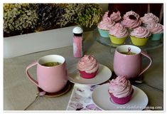 Cupcakes cu crema de zmeura   www.ifyoulovecooking.com Kefir, Food Pictures, Mugs, Cooking, Tableware, Kitchen, Dinnerware, Tumblers, Tablewares