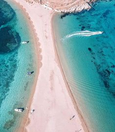 Kolona Beach Kythnos Greece by @vassia_kostara w/@iov000 #the_daily_traveller www.dailytraveller.gr Follow me on @vsiras & @bestgreekhotels #kythnos #kythnosisland #kythnos_island #cyclades #cycladesislands #cyclades_islands #cyclades_addicted #greekislands #greece #greecelover_gr #wu_greece #travel_greece #ig_greece #greecestagram #greecetravelgr1_ #kings_greece #super_greece #great_captures_greece #loves_greece #igers_greece #perfect_greece #exquisite_greece #greece_is_awesome #visitgreece