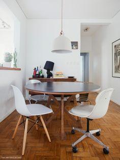30-decoracao-mesa-jantar-cadeiras-descombinadas-buffet