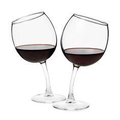 Chissà come li vedi dopo il quarto bicchiere bevuto...    TIPSY WINE GLASSES | Funny Glass Goblets | UncommonGoods