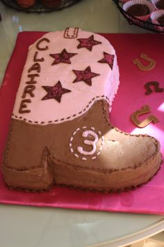 cowgirl party -- so cute for a little girl's bday party! Cowboy Party, Cowboy Birthday Party, Horse Party, Horse Birthday, 4th Birthday Parties, Birthday Fun, Birthday Ideas, Cowgirl Birthday Cakes, Pirate Party