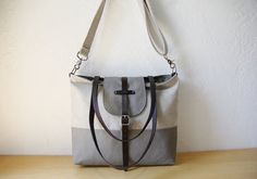 Please allow approximately 1 week for your tote to be prepared for shipment. The 2-tone Tote in Hemp and Gray Canvas. A comfortable balance of soft and