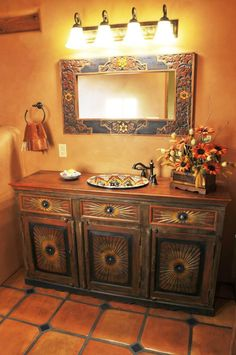 21 Mexican Restaurant Decor Inspiration Home Decor mexican home decor Mexican Style Decor, Mexican Style Homes, Spanish Style Homes, Mexican Home Design, Spanish Revival, Spanish Colonial, Southwestern Decorating, Southwest Decor, Southwest Style